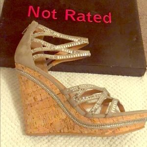 Not rated brand wedge